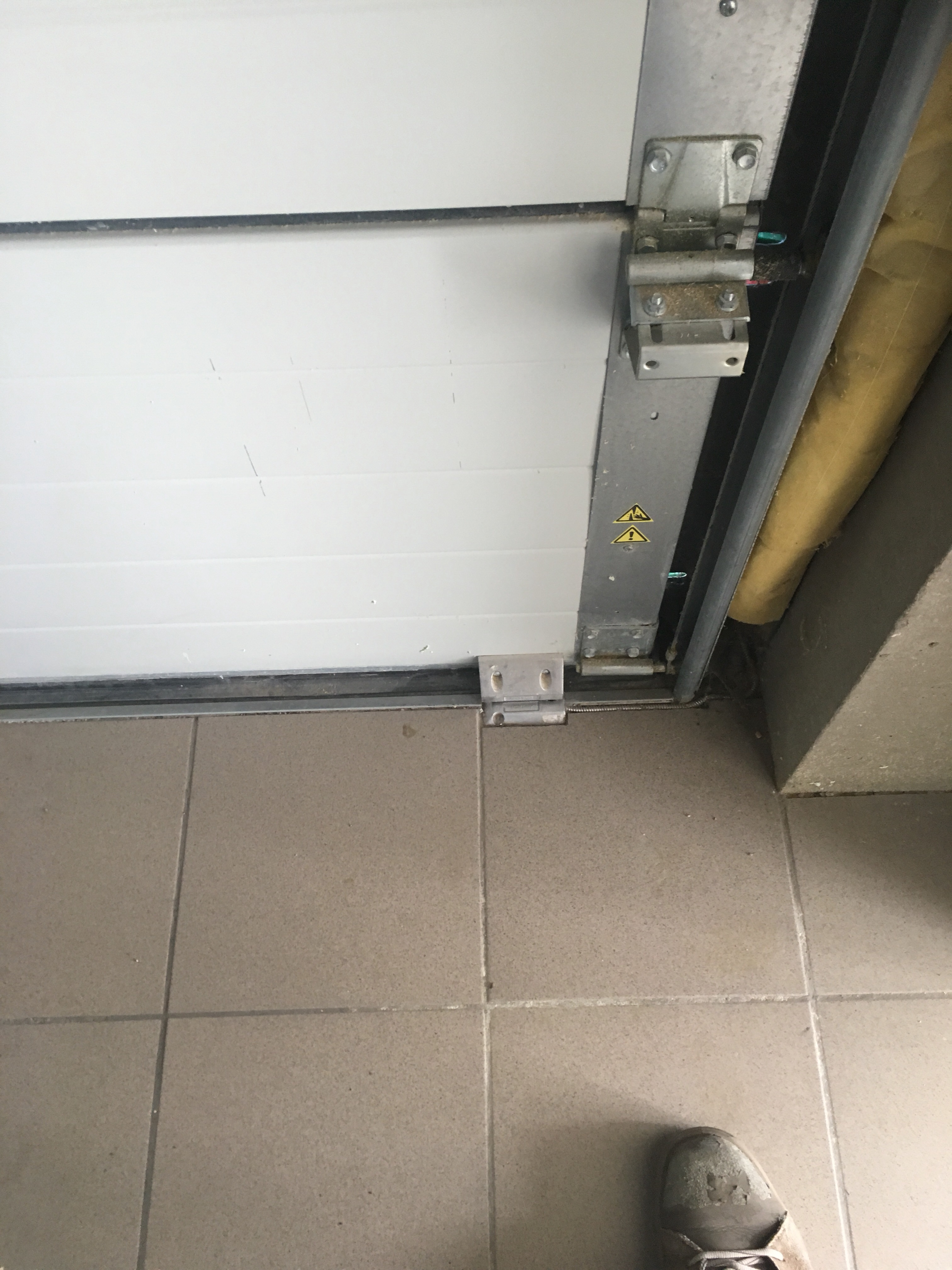 Alarme contact porte garage